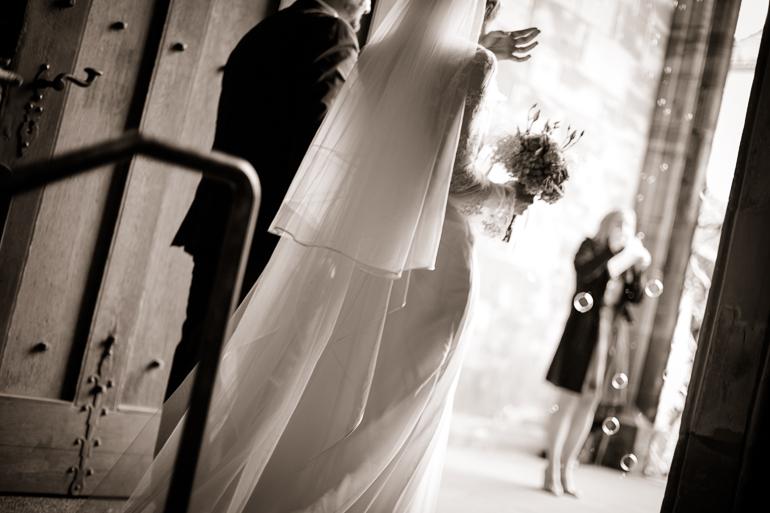 Brautschleier und Brautstrauß