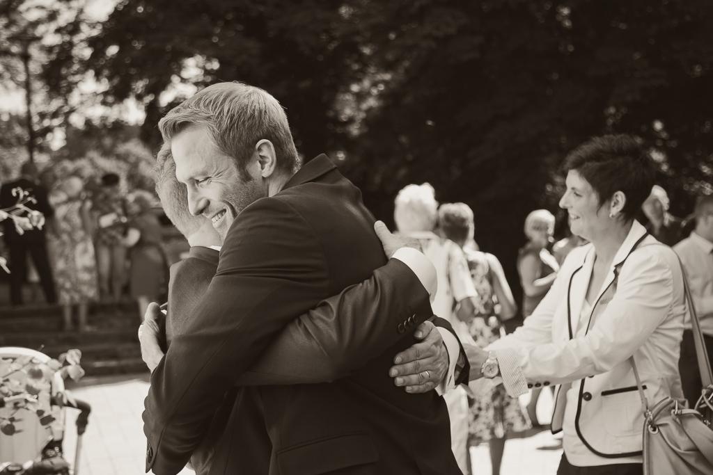 Hochzeitsfotograf Gratulanten und Brautpaar