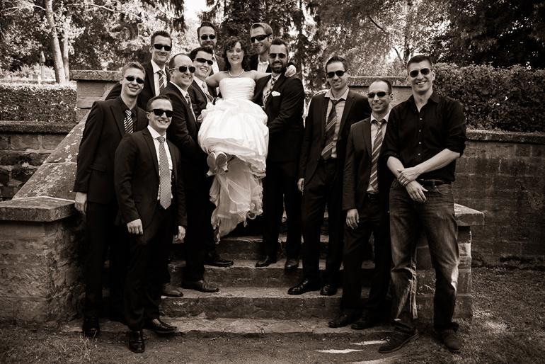 Lustige Hochzeitsfotos mit der Braut