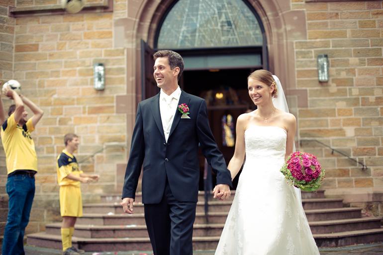 Das glückliche Hochzeitspaar