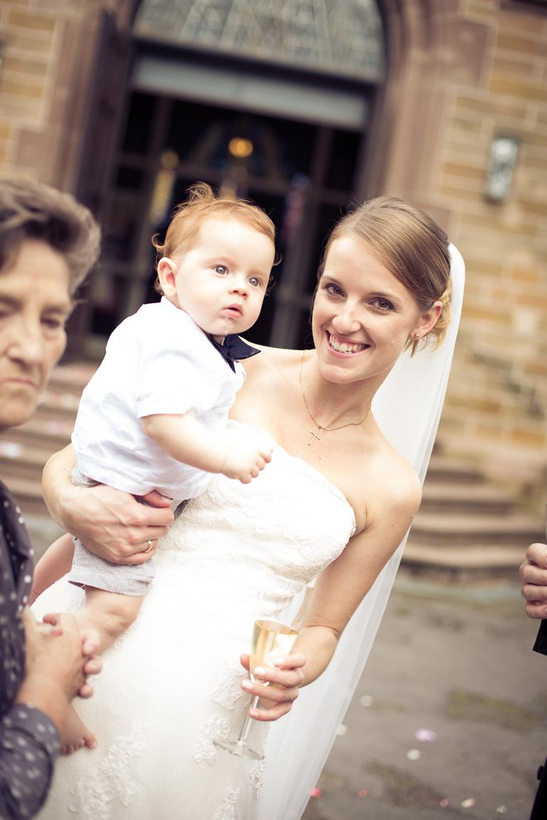 Die Braut beim Sektempfang