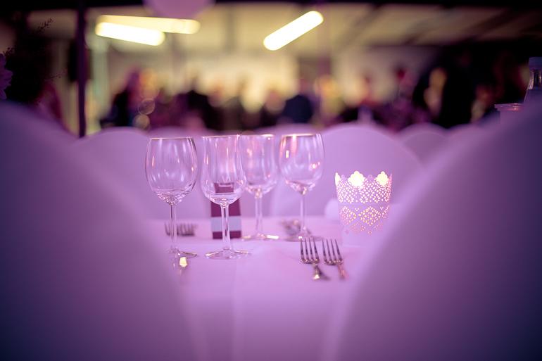 Stimmung auf der Hochzeitsfeier in der Luminanz