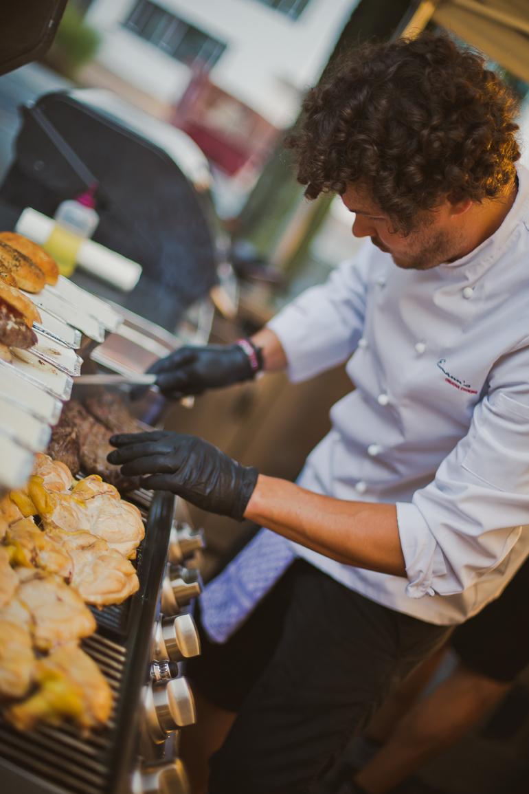 Geniales Catering mit Burgern auf der Hochzeit